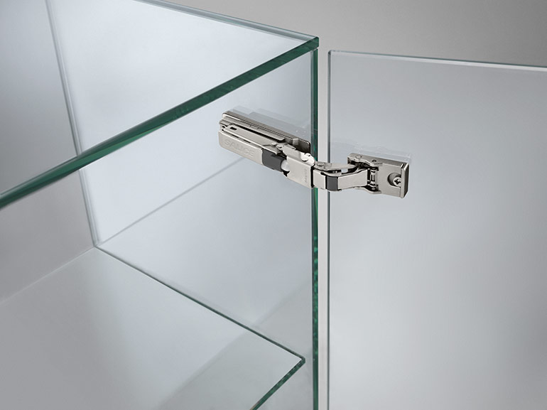 UNIVERSAL HINGES:  developed to be used with a wide range of door materials
